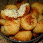 Chiftele de cartofi cu branza