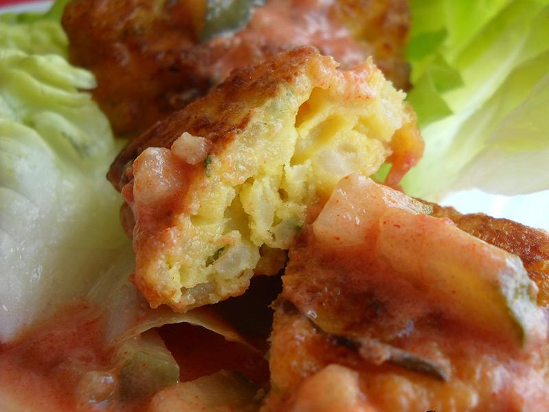 chiftele de orez cu oua fierte (1)