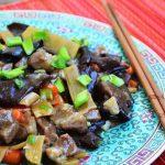 Porc cu bambus si ciuperci