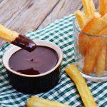 Churros cu sos de ciocolata
