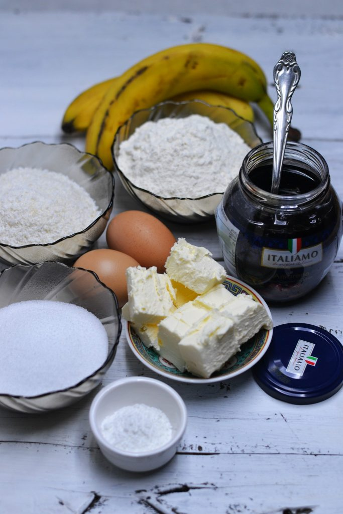 ingrediente prajitura cu banane, cocos si visine