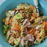 Salata de paste cu ton si mazare
