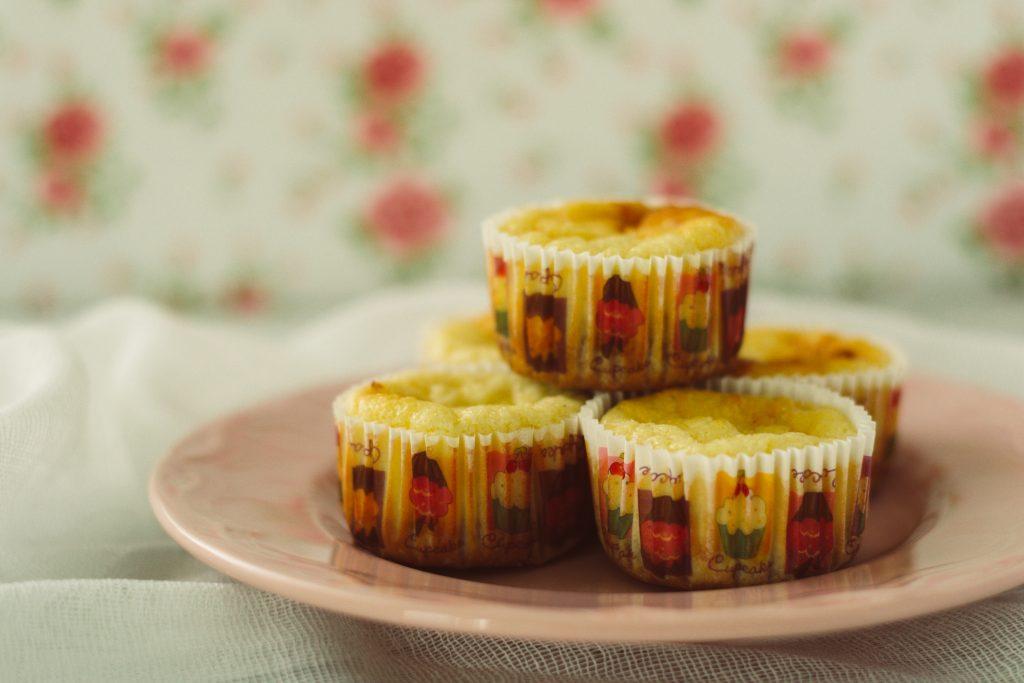 mini cheesecakes cu lamaie