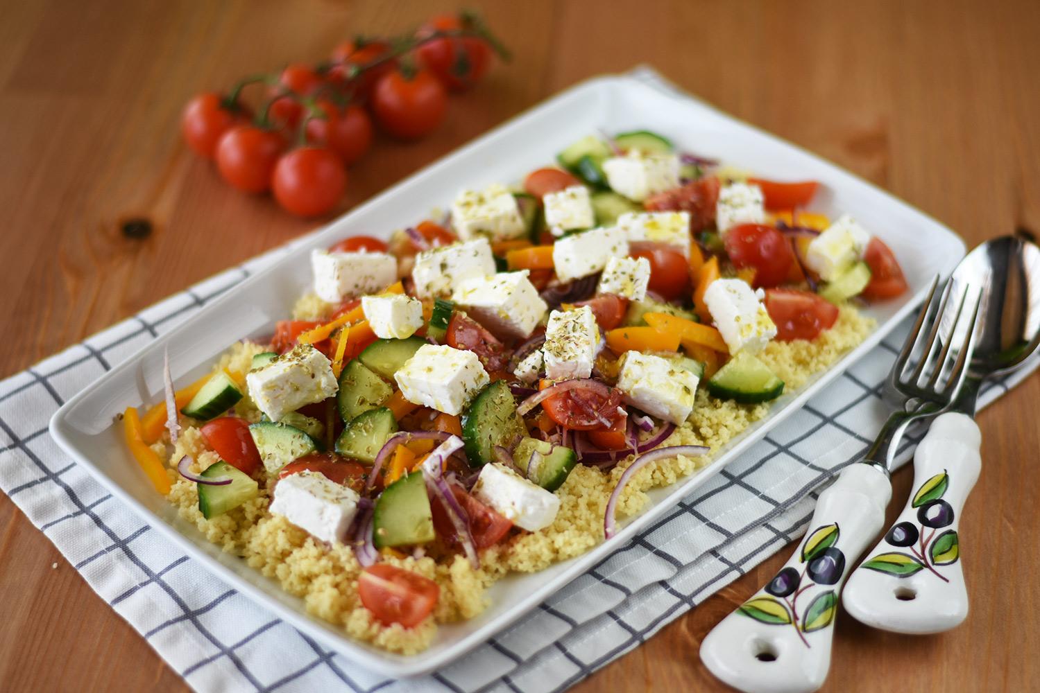 Salata greceasca cu cous cous