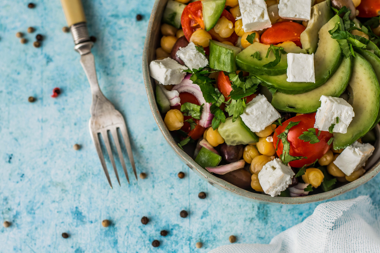 Salata de naut cu telemea de capra
