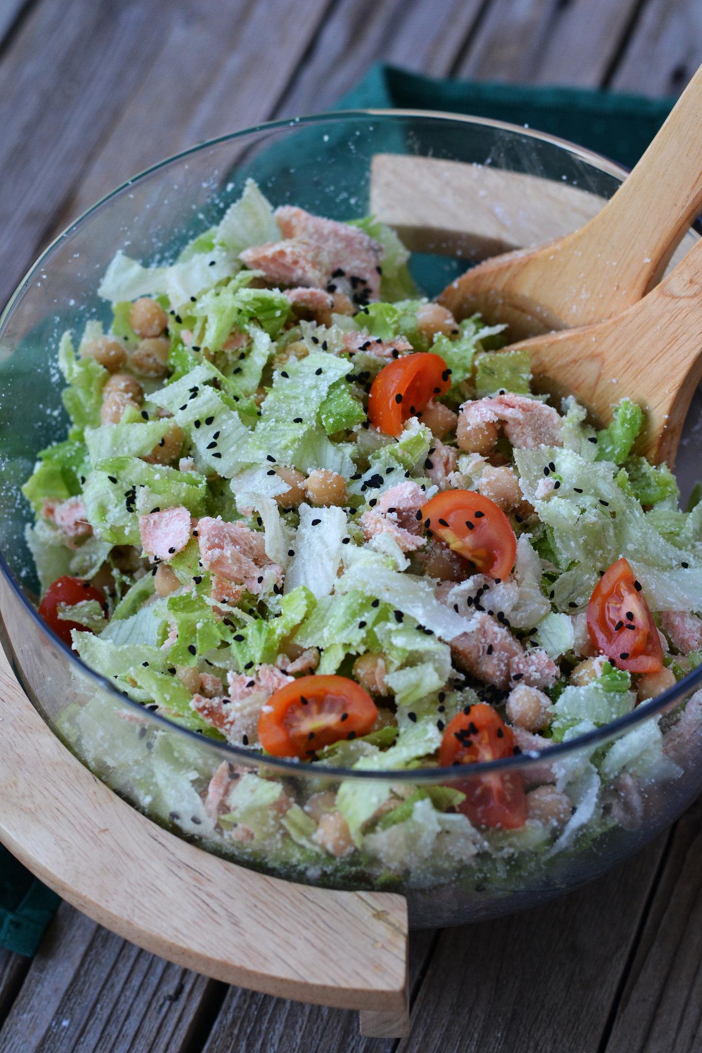 Salata cu naut si somon
