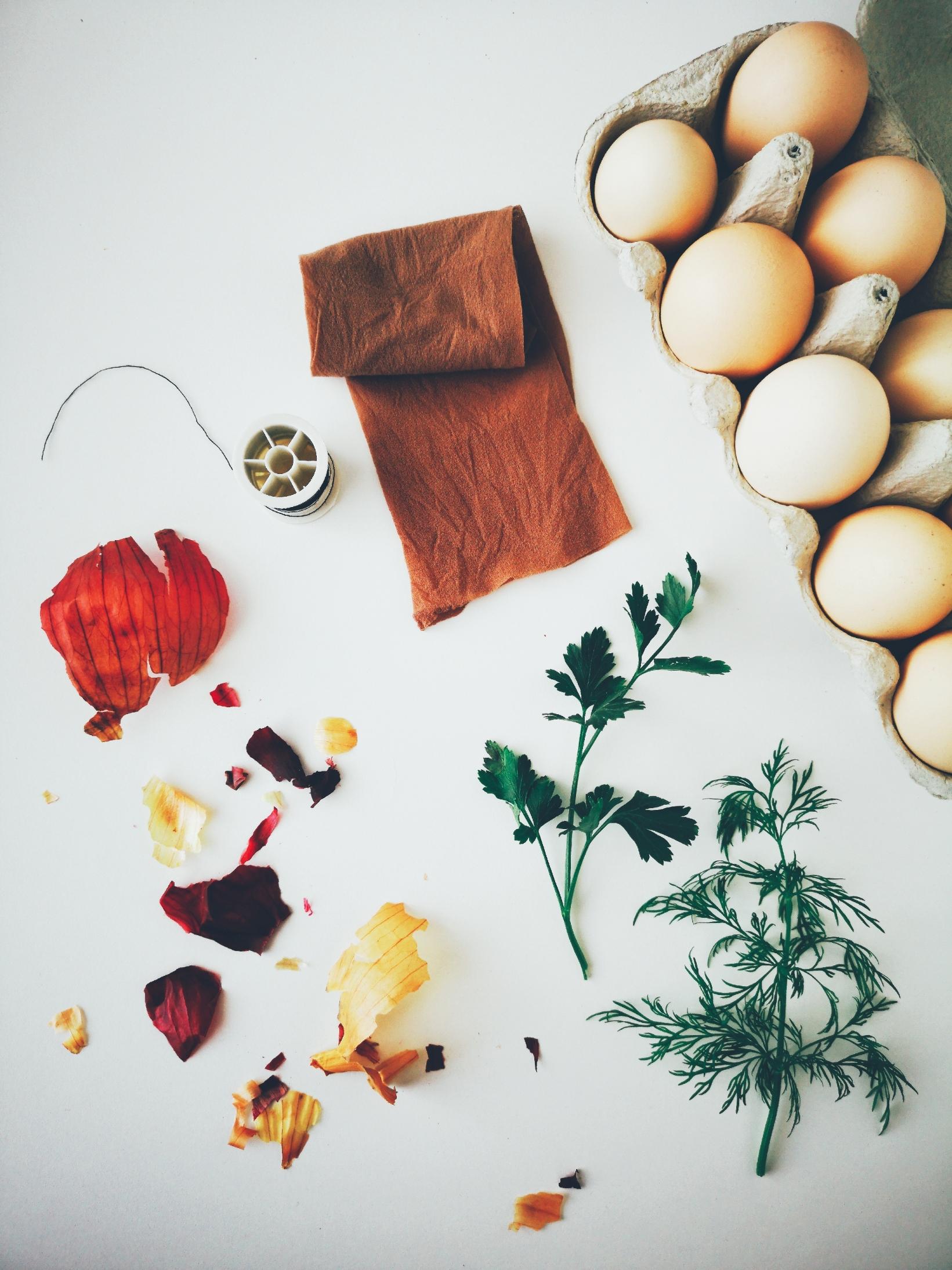 Oua vopsite cu coji de ceapa