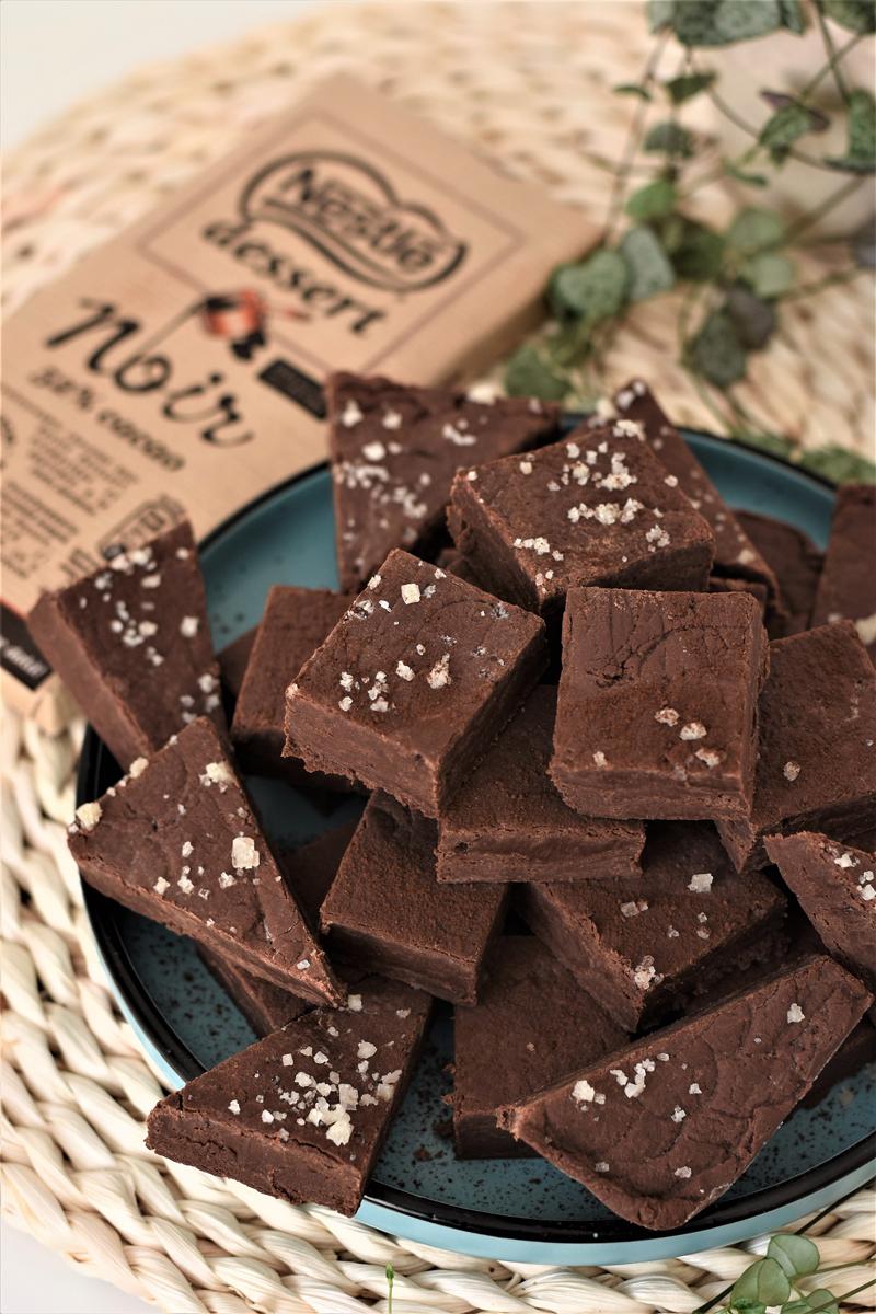 Fudge de ciocolata cu lapte condensat si sare (7)