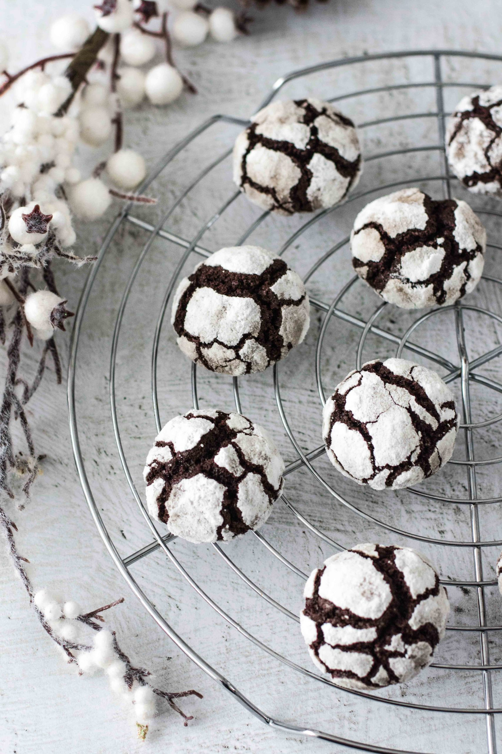 Biscuiti cu cacao - crinkle cookies